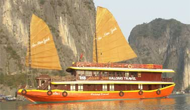 Ha Long Bay - An Nam Junk