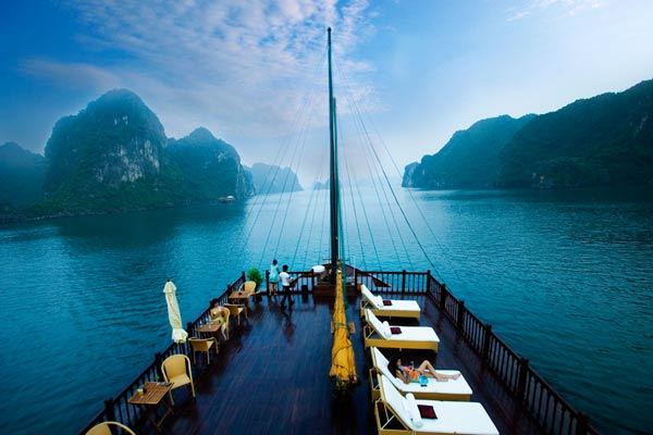 indochina-sails-cruises