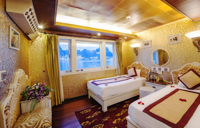 luxury-white-dolphin-cruise-cabin
